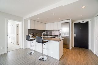 """Photo 5: 802 6658 DOW Avenue in Burnaby: Metrotown Condo for sale in """"MODA"""" (Burnaby South)  : MLS®# R2602732"""