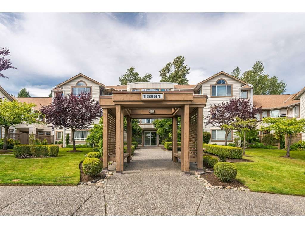 """Main Photo: 105 15991 THRIFT Avenue: White Rock Condo for sale in """"ARCADIAN"""" (South Surrey White Rock)  : MLS®# R2441323"""