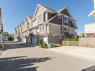 """Photo 19: 16 7298 199A Street in Langley: Willoughby Heights Townhouse for sale in """"YORK"""" : MLS®# R2068285"""