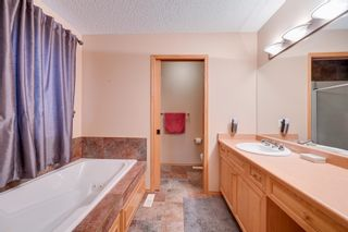 Photo 30: 227 LINDSAY Crescent in Edmonton: Zone 14 House for sale : MLS®# E4265520