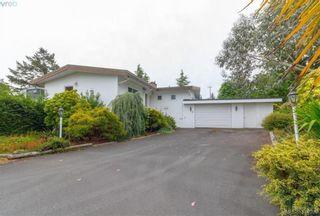 Photo 2: 8591 Lochside Dr in NORTH SAANICH: NS Bazan Bay House for sale (North Saanich)  : MLS®# 790088