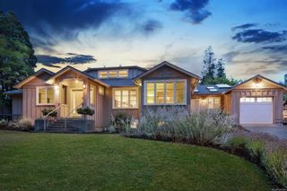 Photo 1: 1908 Beaufort Ave in : CV Comox (Town of) House for sale (Comox Valley)  : MLS®# 856594