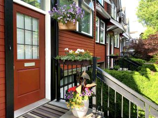 """Photo 2: 507 E 7TH Avenue in Vancouver: Mount Pleasant VE Townhouse for sale in """"Vantage"""" (Vancouver East)  : MLS®# R2472829"""