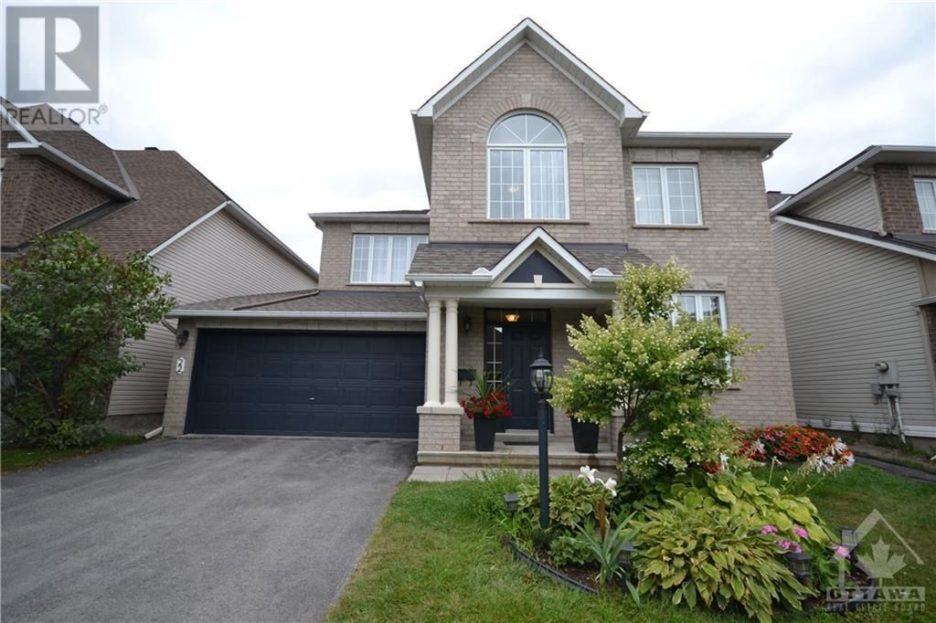 Main Photo: 22 GREATWOOD CRESCENT in Ottawa: House for sale : MLS®# 1258576