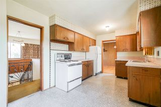 Photo 6: 8413 DELAWARE Road in Richmond: Woodwards House for sale : MLS®# R2372031