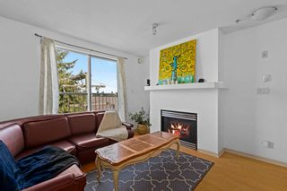 """Photo 2: 304 3727 W 10TH Avenue in Vancouver: Point Grey Townhouse for sale in """"FOLKSTONE"""" (Vancouver West)  : MLS®# R2617811"""