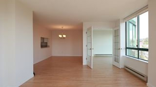 """Photo 4: 1702 121 TENTH Street in New Westminster: Uptown NW Condo for sale in """"VISTA ROYALE"""" : MLS®# R2300815"""