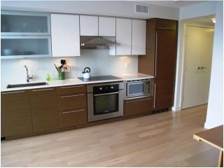 "Photo 2: 401 1635 W 3RD Avenue in Vancouver: False Creek Condo for sale in ""LUMEN"" (Vancouver West)  : MLS®# V823726"