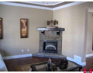"""Photo 2: 50 6498 SOUTHDOWNE Place in Sardis: Sardis East Vedder Rd Townhouse for sale in """"VILLAGE GREEN IN HIGGINSON GARDENS"""" : MLS®# H2900219"""