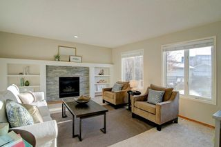 Photo 4: 39 INVERNESS Boulevard SE in Calgary: McKenzie Towne Detached for sale : MLS®# C4215611