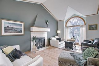 Photo 6: 824 Shawnee Drive SW in Calgary: Shawnee Slopes Detached for sale : MLS®# A1083825