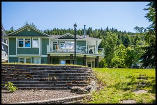 Photo 3: 3513 Eagle Bay Road in Eagle Bay: Waterfront House for sale : MLS®# 10100248