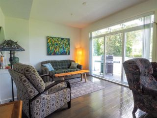 """Photo 7: 1 41488 BRENNAN Road in Squamish: Brackendale Townhouse for sale in """"Rivendale"""" : MLS®# R2485406"""