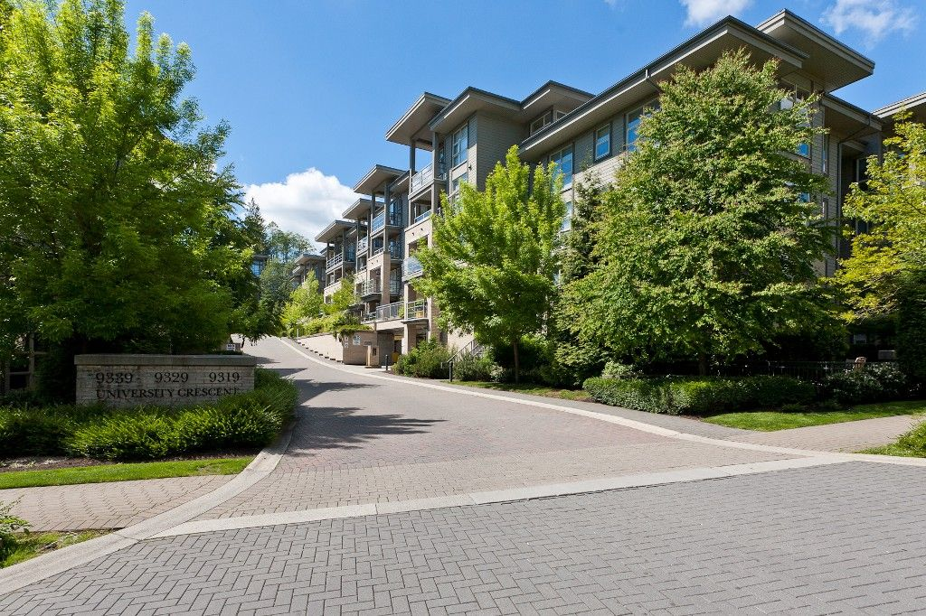 """Photo 2: Photos: 514 9319 UNIVERSITY Crescent in Burnaby: Simon Fraser Univer. Condo for sale in """"HARMONY AT THE HIGHLANDS"""" (Burnaby North)  : MLS®# V1009377"""