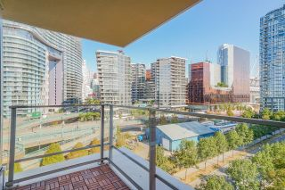 """Photo 9: 805 980 COOPERAGE Way in Vancouver: Yaletown Condo for sale in """"COOPERS POINTE by Concord Pacific"""" (Vancouver West)  : MLS®# R2614161"""