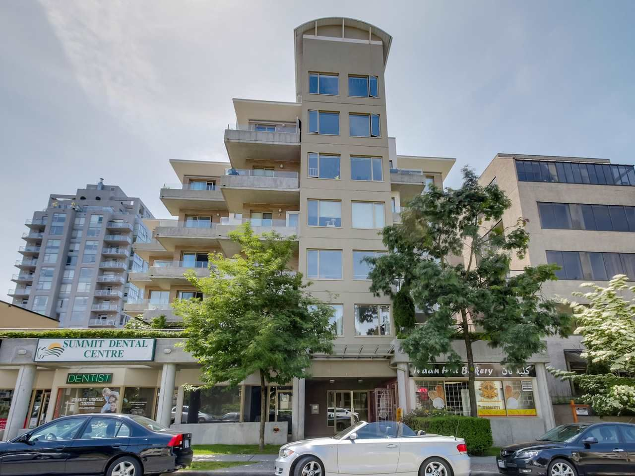 """Photo 12: Photos: 304 137 W 17 Street in North Vancouver: Central Lonsdale Condo for sale in """"Westgate"""" : MLS®# R2075830"""