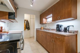"Photo 13: 212 330 E 1ST Street in North Vancouver: Lower Lonsdale Condo for sale in ""Portree House"" : MLS®# R2523921"