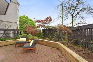 """Photo 17: 104 55 E 10TH Avenue in Vancouver: Mount Pleasant VE Condo for sale in """"ABBEY LANE"""" (Vancouver East)  : MLS®# R2265111"""