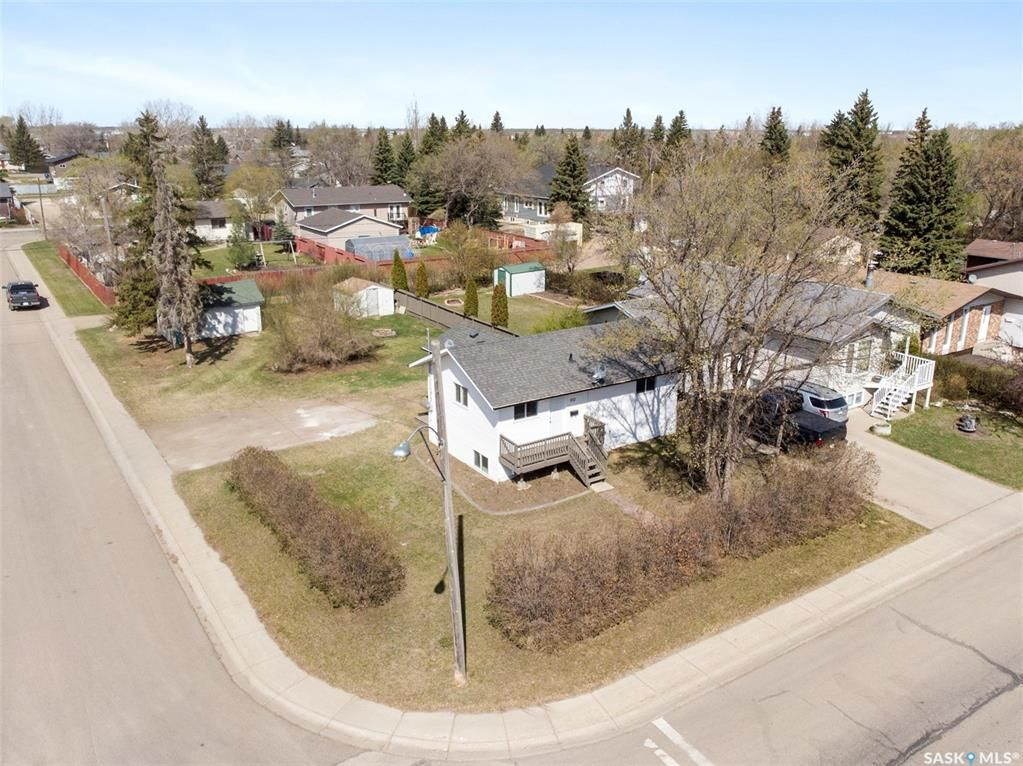 Main Photo: 102 5th Avenue in Martensville: Residential for sale : MLS®# SK859357