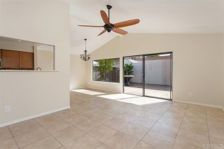 Photo 3: Townhouse for sale : 3 bedrooms : 2502 Via Astuto in Carlsbad