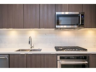 Photo 4: 407 530 Whiting Way in Coquitlam: West Coquitlam Condo for sale : MLS®# R2433714