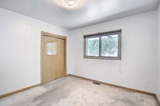 Photo 4: 431 THornhill Place NW in Calgary: Thorncliffe Detached for sale : MLS®# A1125824