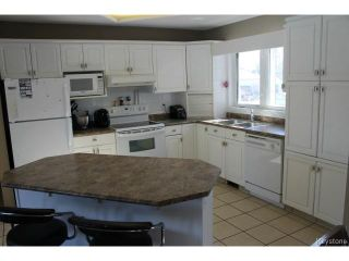 Photo 5: 70 Hindley Avenue in WINNIPEG: St Vital Residential for sale (South East Winnipeg)  : MLS®# 1504801