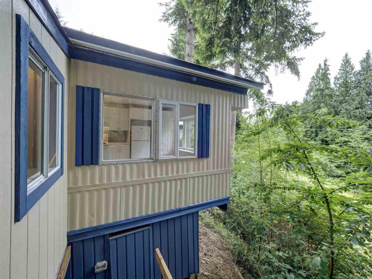 "Main Photo: 12 5294 SELMA PARK Road in Sechelt: Sechelt District Manufactured Home for sale in ""Selma Vista"" (Sunshine Coast)  : MLS®# R2588410"