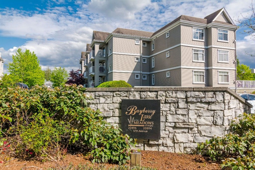 "Photo 6: Photos: 312 20894 57 Avenue in Langley: Langley City Condo for sale in ""BAYBERRY LANE"" : MLS®# R2163654"