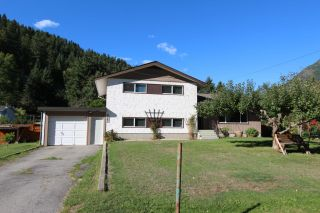 Photo 5: 2545 COLEVIEW ROAD in Castlegar: House for sale : MLS®# 2461138