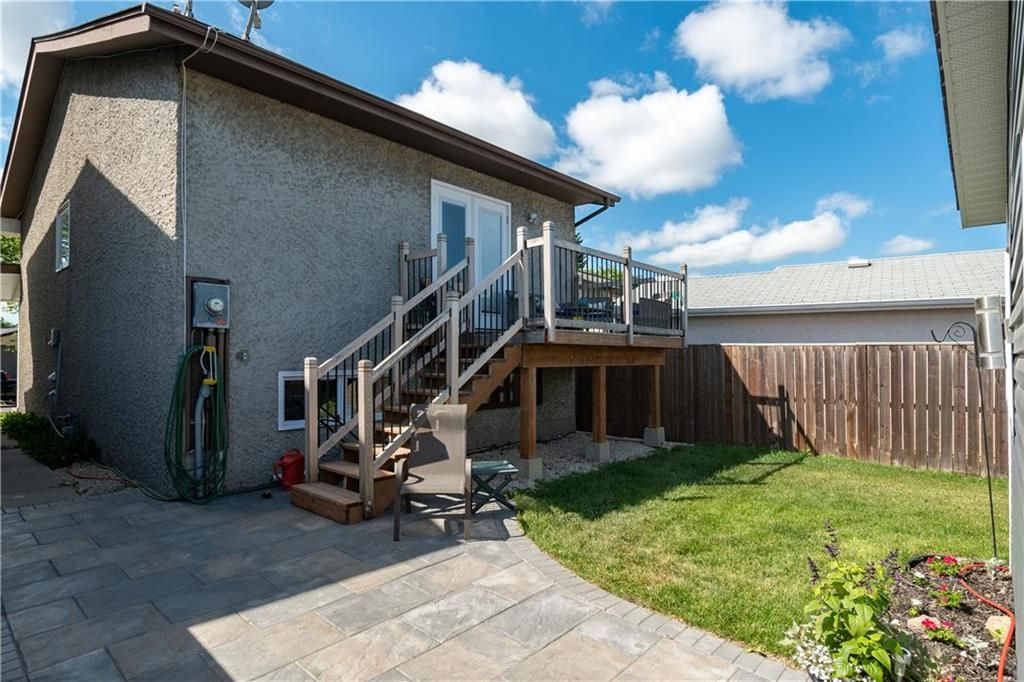 Photo 21: Photos: 57 Maitland Drive in Winnipeg: River Park South Residential for sale (2F)  : MLS®# 202116351