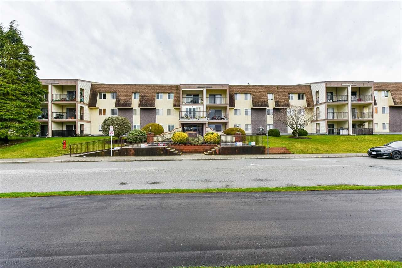 """Main Photo: 230 2821 TIMS Street in Abbotsford: Abbotsford West Condo for sale in """"PARKVIEW ESTATES"""" : MLS®# R2583401"""