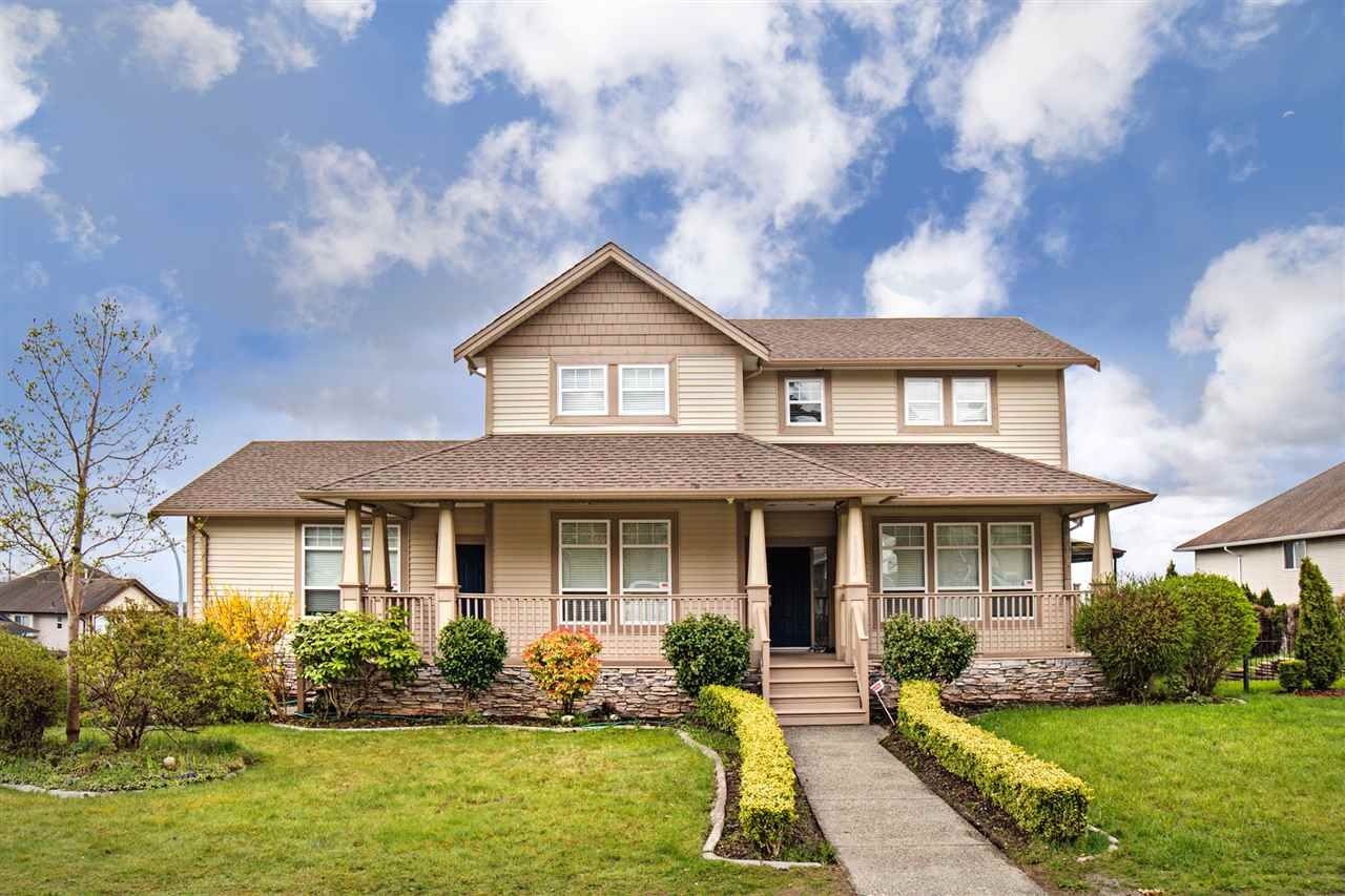 """Main Photo: 33834 GREWALL Crescent in Mission: Mission BC House for sale in """"College Heights"""" : MLS®# R2256686"""