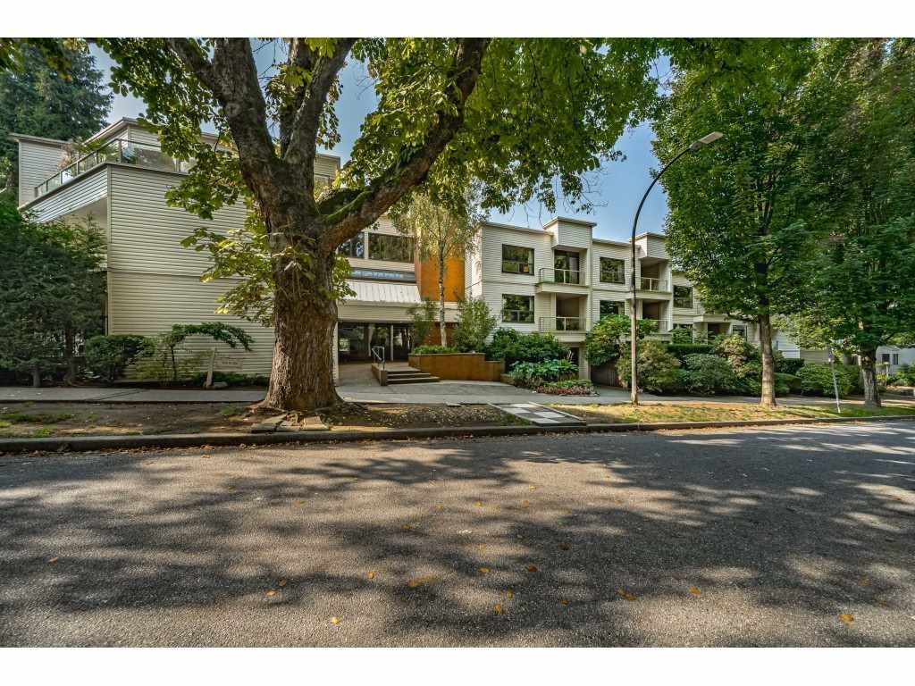 """Main Photo: 312 1350 COMOX Street in Vancouver: West End VW Condo for sale in """"BROUGHTON TERRACE"""" (Vancouver West)  : MLS®# R2505965"""
