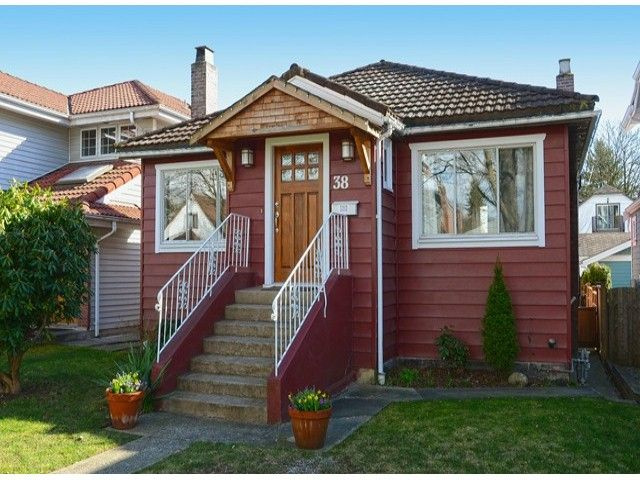 """Main Photo: 38 W 20TH Avenue in Vancouver: Cambie House for sale in """"CAMBIE VILLAGE"""" (Vancouver West)  : MLS®# V1053953"""