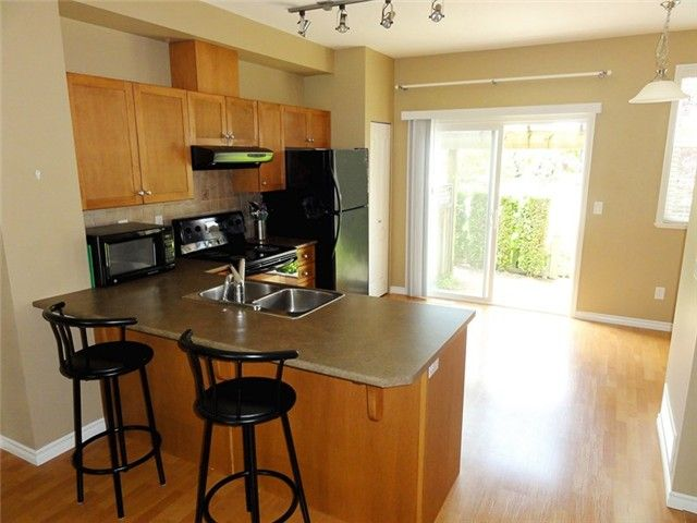 """Photo 5: Photos: # 2 6588 188TH ST in Surrey: Cloverdale BC Townhouse for sale in """"Hillcrest Place"""" (Cloverdale)  : MLS®# F1321944"""