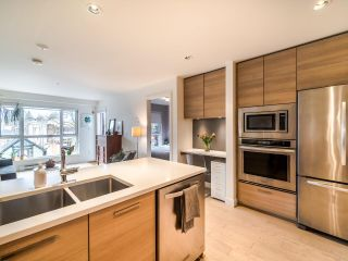"Photo 14: 311 3456 COMMERCIAL Street in Vancouver: Victoria VE Condo for sale in ""Mercer"" (Vancouver East)  : MLS®# R2558325"