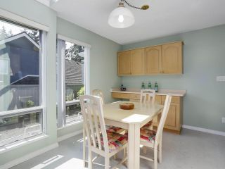 """Photo 12: 24 1925 INDIAN RIVER Crescent in North Vancouver: Indian River Townhouse for sale in """"Windermere"""" : MLS®# R2283604"""