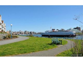 Photo 3: 82 Bay St in VICTORIA: VW Victoria West House for sale (Victoria West)  : MLS®# 712829