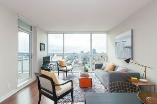 """Photo 2: 1905 125 COLUMBIA Street in New Westminster: Downtown NW Condo for sale in """"NORTHBANK"""" : MLS®# R2255130"""