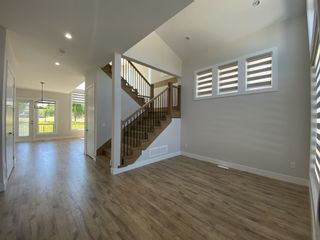 Photo 3: 32574 LISSIMORE Avenue in Mission: Mission BC House for sale : MLS®# R2596422