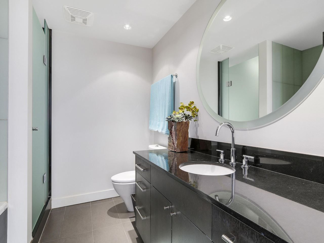 Photo 17: Photos: 401 1455 HOWE STREET in Vancouver: Yaletown Condo for sale (Vancouver West)  : MLS®# R2145939