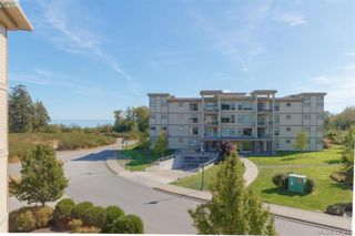 Photo 6: 404 3223 Selleck Way in VICTORIA: Co Lagoon Condo for sale (Colwood)  : MLS®# 835790