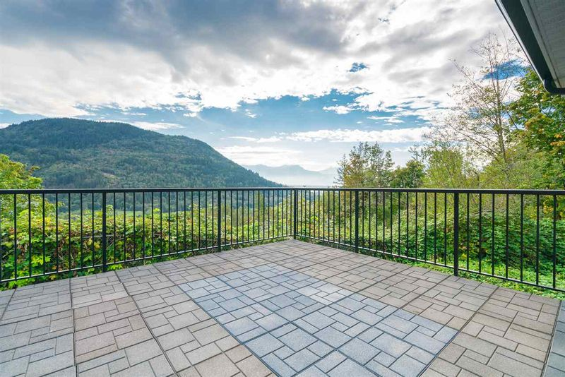 FEATURED LISTING: 11858 MCGIMPSEY Road Mission