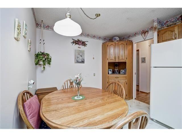 Photo 20: Photos: 210 OAKMOOR Place SW in Calgary: Oakridge House for sale : MLS®# C4091579