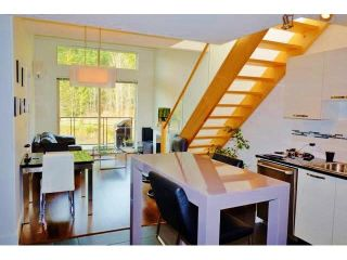 Photo 5: 402 7418 BYRNEPARK WALK in Burnaby: South Slope Condo for sale (Burnaby South)  : MLS®# R2053115