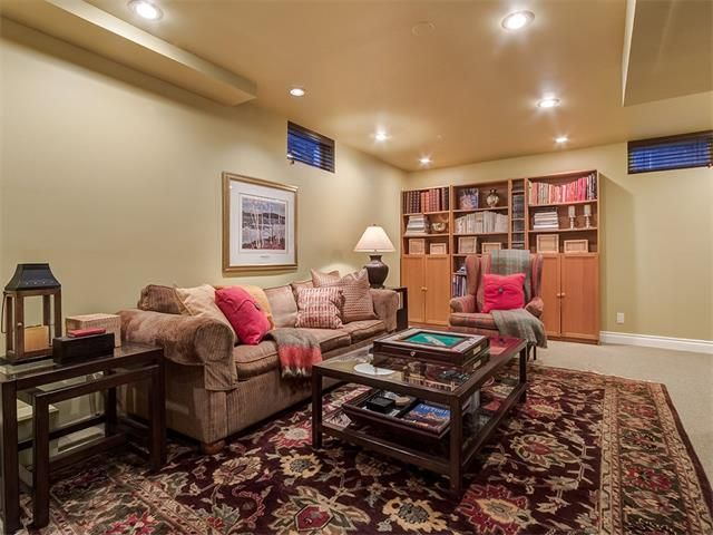 Photo 36: Photos: 7016 KENOSEE Place SW in Calgary: Kelvin Grove House for sale : MLS®# C4055215