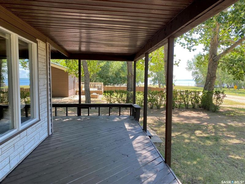 FEATURED LISTING: 318 Ruby Drive Hitchcock Bay