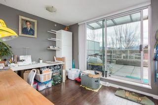 "Photo 14: 306 125 MILROSS Avenue in Vancouver: Mount Pleasant VE Condo for sale in ""Creekside"" (Vancouver East)  : MLS®# R2244749"