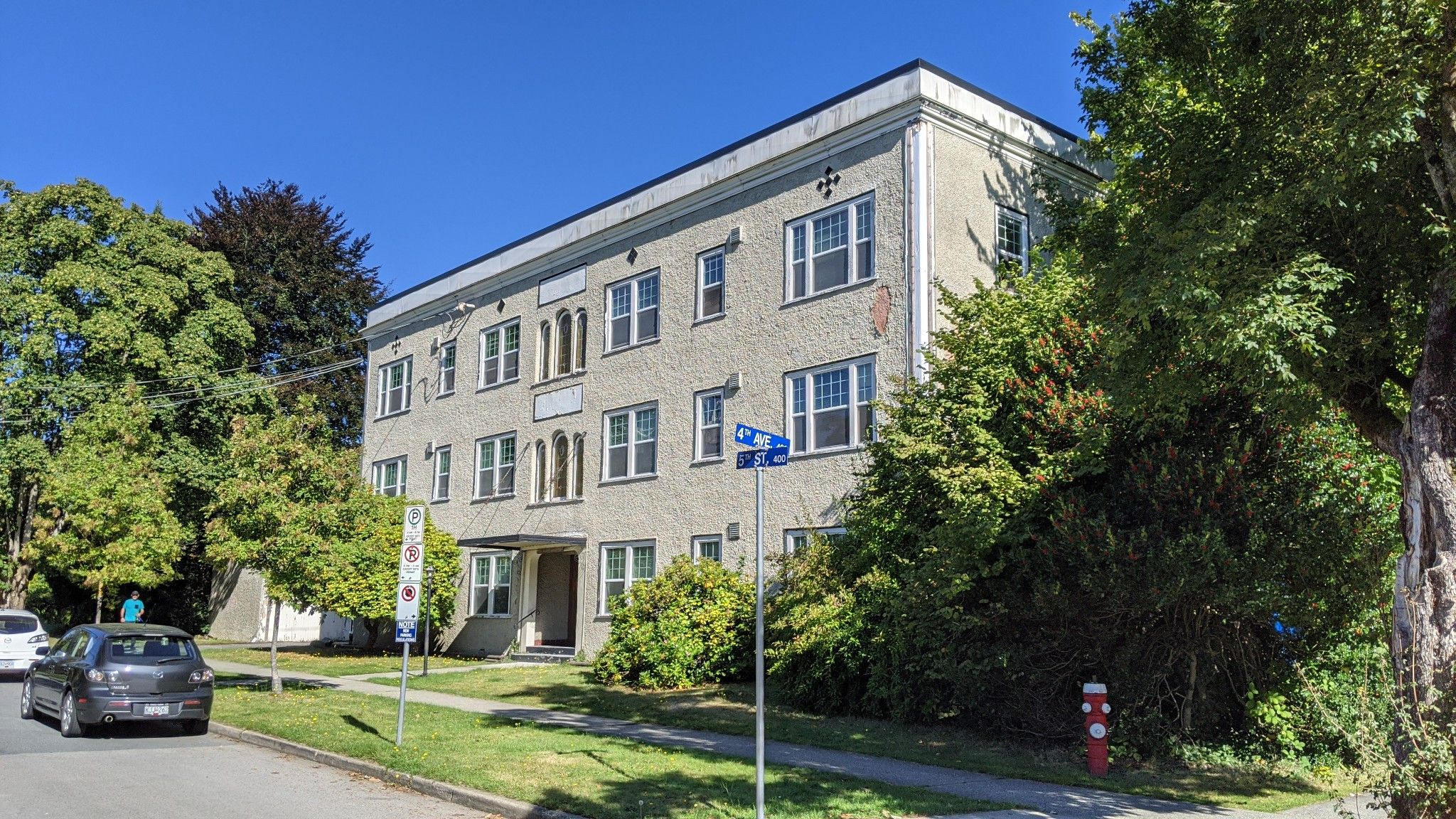 Main Photo: 401 Fifth Streets in New Westminster: Multi-Family Commercial for sale